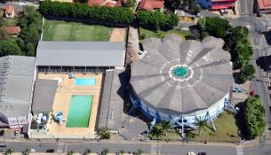 piscina poliesportivo extrema