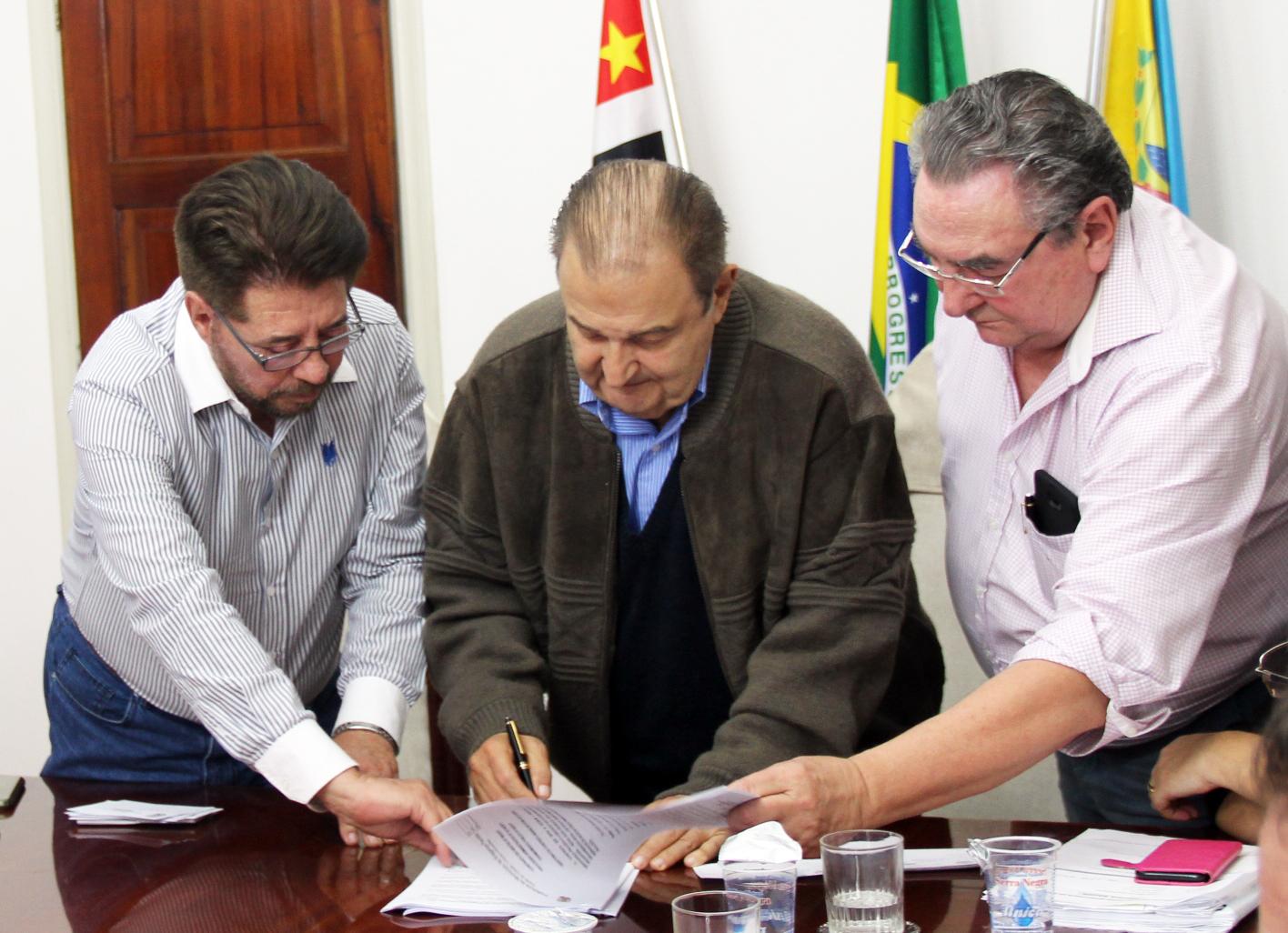 14.08.2017 Assinatura do contrato da nova O (2)