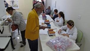 Foto_3_Mutirão_de_coletas_Laboratório_de_Ánalise_Santa_Casa_11-11-17