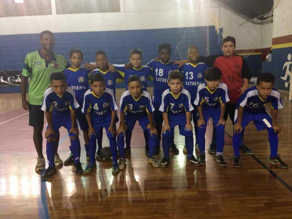 A equipe de futsal de Extrema venceu a equipe de socorro e conquistou a vaga  para a semi-final do Campeonato Regional de Futsal Feminino. 381d74fc593c1