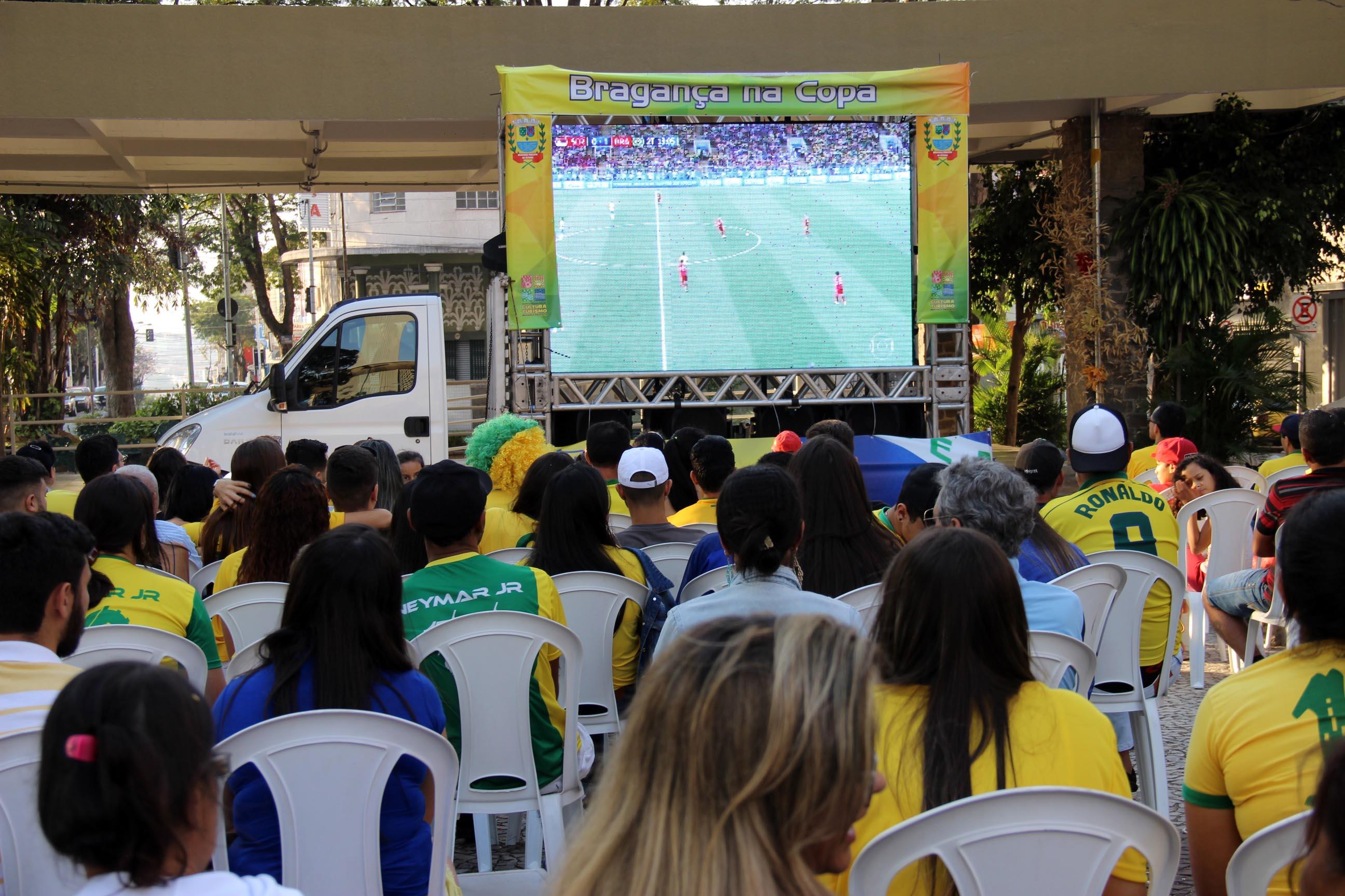 27.06.2018 Jogo do Brasil na Praça Rual Leme20