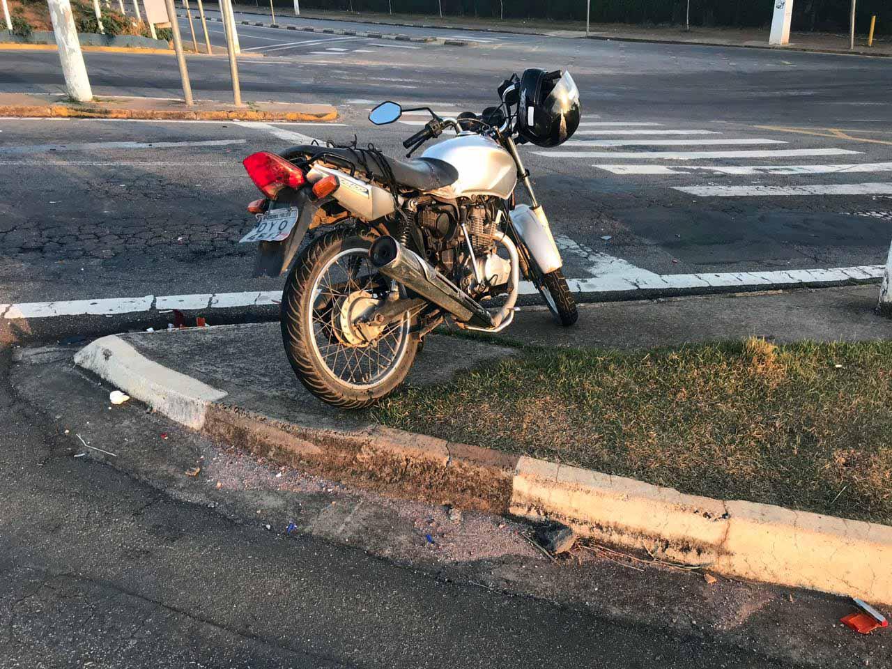 16.07.2018 Acidente entre fox vermelho e moto1