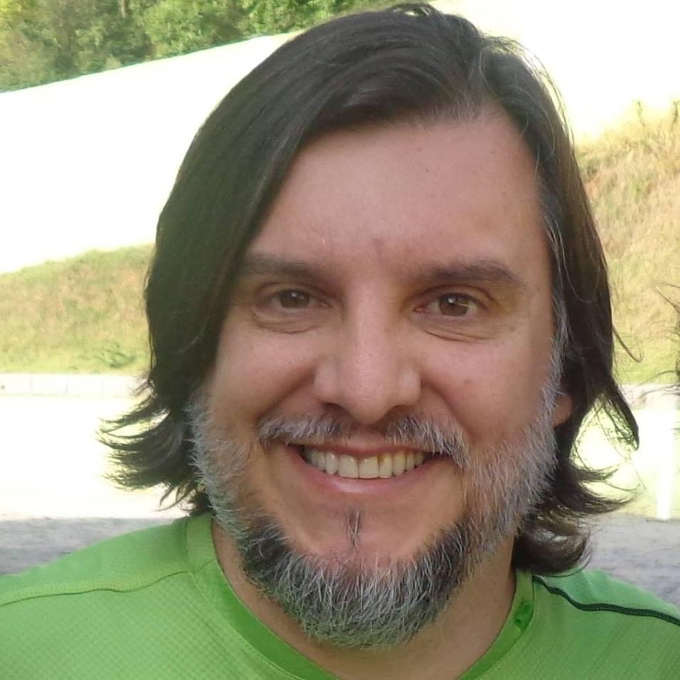 Ufólogo Marco Antonio