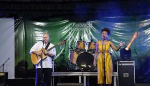 Música Malungos, de Carlos Gomes e Jessica Stephanis, de Roraima.
