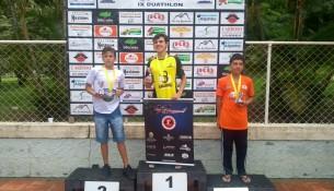 Premiação durante o evento de Duathlo em Joanopolis Kevin Wilians de 13 anos segundo colocado e Ryan Gabriel de 13 anos terceiro colocado