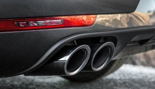 2018-Porsche-Macan-GTS-exhaust-pipes-1160x770