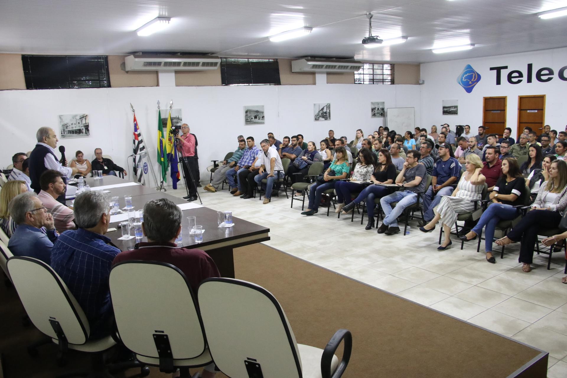 08.11.2019 Posse novos funcionarios publico (14)