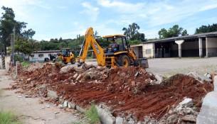 11.01.2020  Demolição do muro na antiga garagem da empresa de ônibus Fátima1