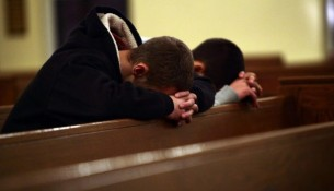 Young-Men-in-Prayer-700x500