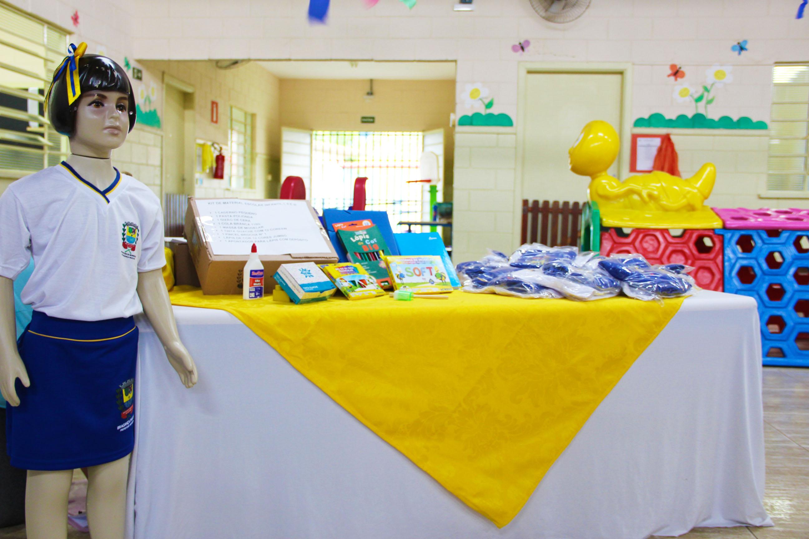 03.02.2020 Entrega de Kit Escolar e uniformes Escola Antonio José da Fonseca (1)