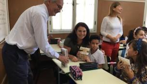Alunos da EM Dr. Jorge Tibiriça recebem visita de escritor