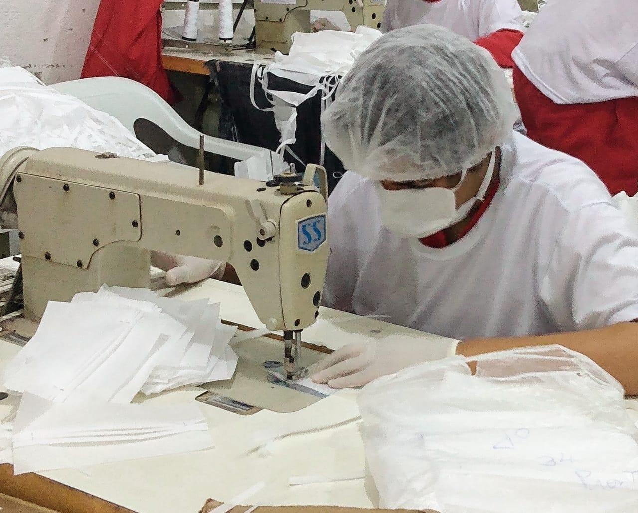 sistema-prisional-mineiro-produz-1-milhao-de-mascaras-de-protecao-a-covid-19