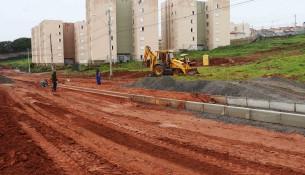 Asfaltamento da Avenida João Rubens Valle é iniciado (1)