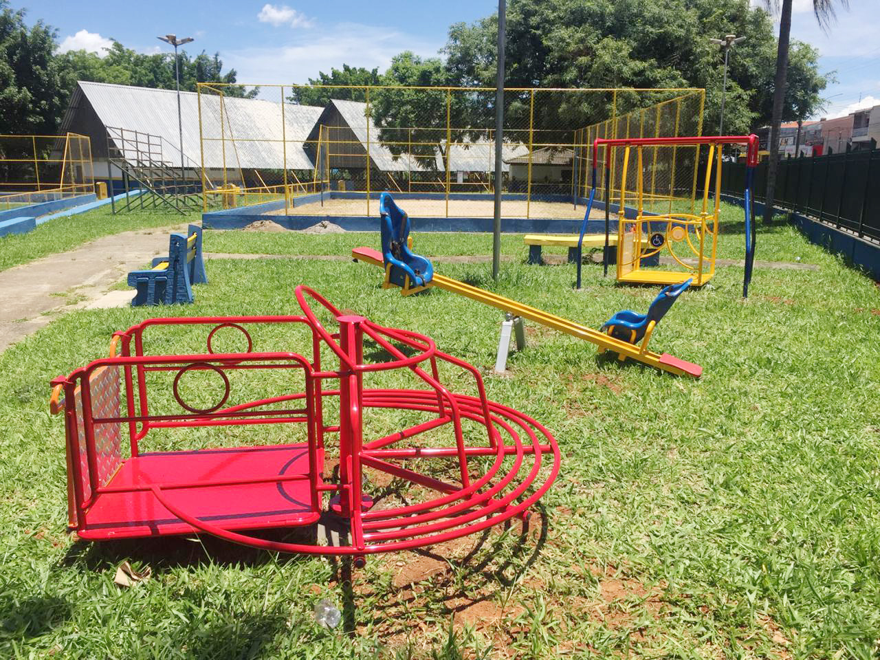 CILES do Lavapés ganha primeiro playground com brinquedos inclusivos (3)