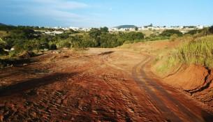 24.05.2021 Prefeitura realiza limpeza de terreno no Bragança F2 (2)