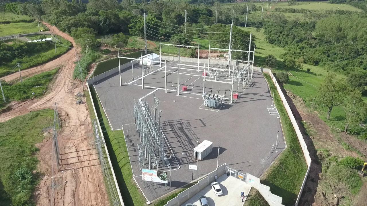 Modernas, subestações são construídas e equipadas com tecnologia de ponta